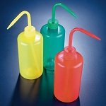 Wash bottle,narrow neck,500mL, green LDPE, round, green cap - Pack of 1
